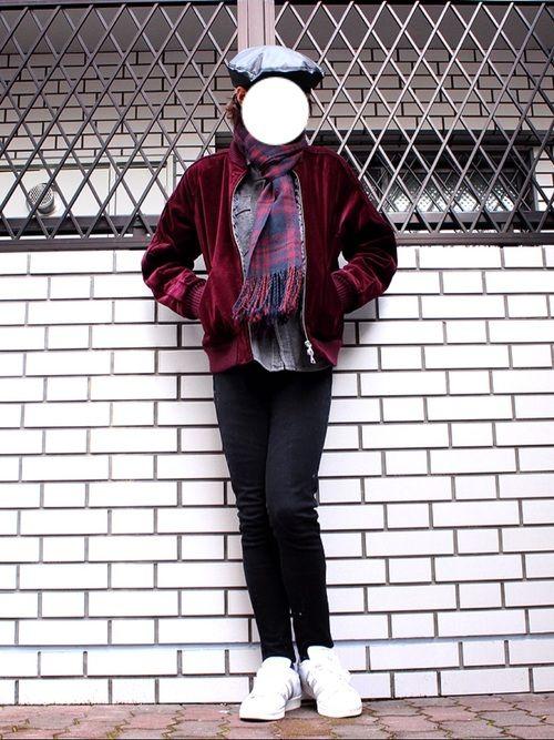 スカジャン・黒スキニー! マフラースタイル😊😊 古着屋で買ったシャツ・ベレー帽着てみました! ベ