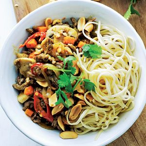 Recept - Noedels met gehakt en groenten - Allerhande