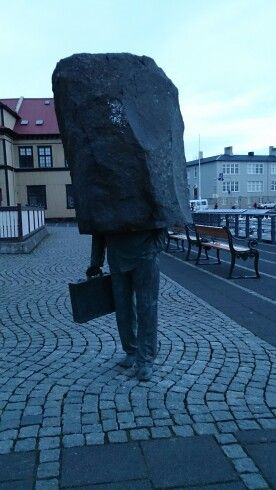 Evocative statue in the city center. What is the message to you?