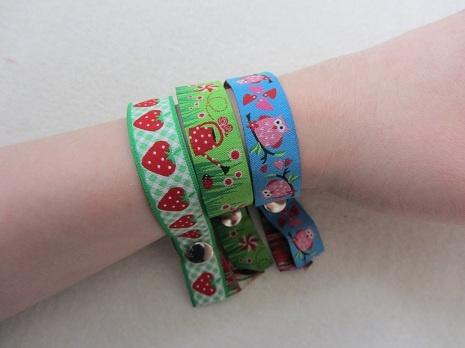 Armbänder im FestivalStil