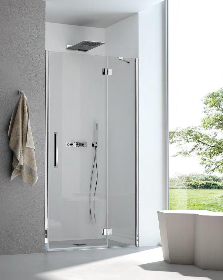 Porte de douche ALICE composé d'un panneau fixe et d'une porte battante. Dimensions disponible de 78 cm à 171 cm. Verre transparent ou satiné en 6 mm d'épaisseur avec traitement anti-calcaire. Hauteur de la paroi 200 cm. Sans profilé en bas de porte, juste une barre de seuil. Fabrication Italienne.