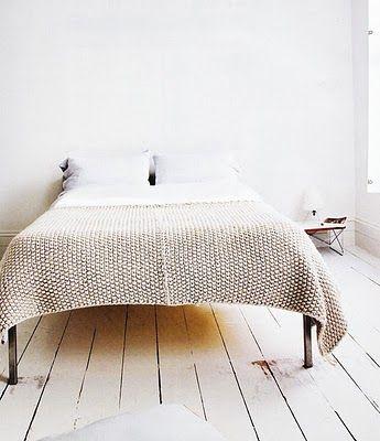 i have a pattern for simular, must knit it - hou van die karig gemeubileerde vertrek