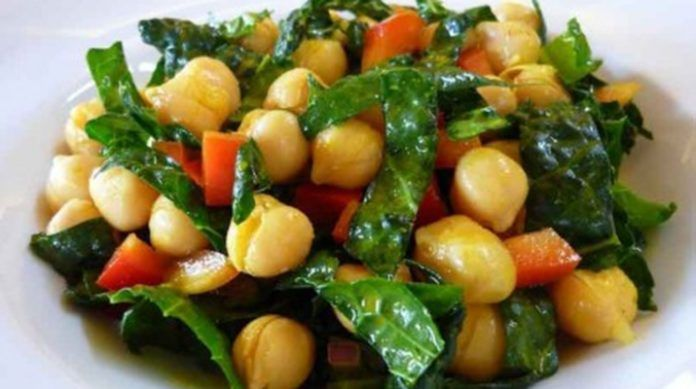 Праздничный салат с нутом
