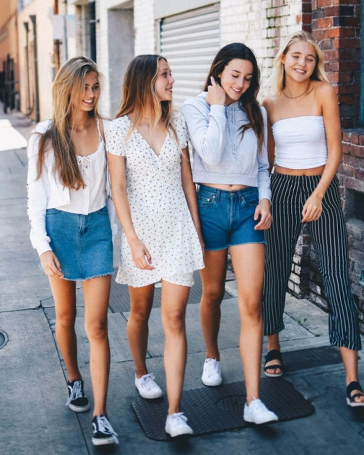 Cool 45 Trendy Teen Fashion 2018 Ideas For Spring. More at https://trendfashionist.com/2018/03/04/45-trendy-teen-fashion-2018-ideas-spring/