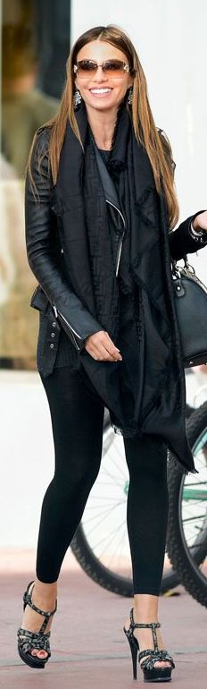 Sofía Vergara: Purse – Christian Dior    Scarf – Fendi    Shoes – Yves Saint Laurent