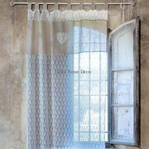 Une romance souffle sur votre salon grâce à ce rideau dentelle ...