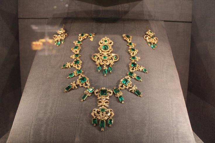 Danish Queen jewels!