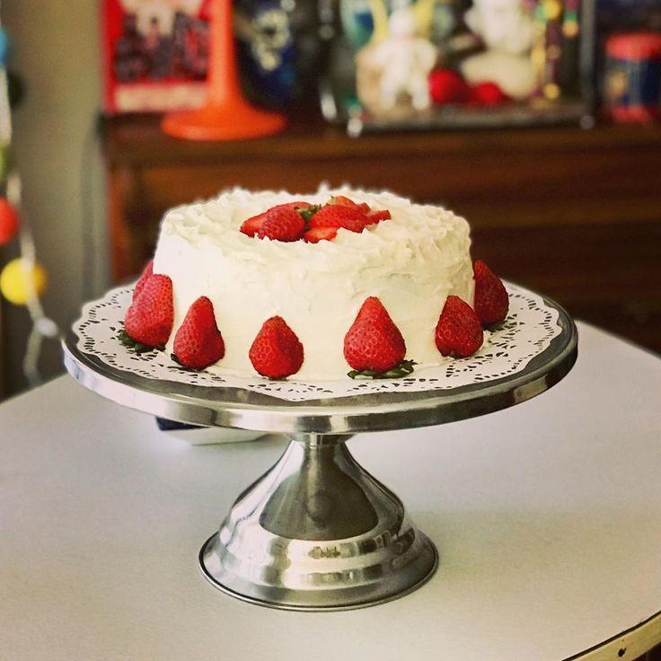 Red Velvet Cake With Ermine Icing In 2020 Cake Makers Cake Red Velvet Cake