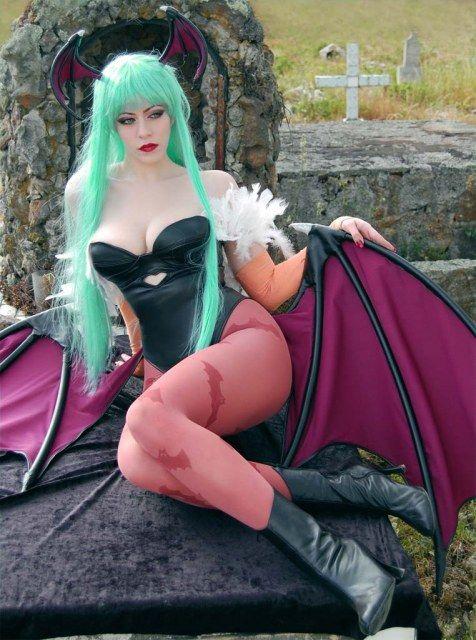 Cosplay.com - Pale Enchantress - Morrigan Aensland - Mrs. Hyde