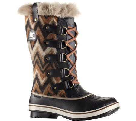 Women's UGG Adirondack II Quilted Boot - Black Patent with FREE Shipping & Exchanges. The Adirondack II Quilted Boot combines fashion and function with a quilted upper and cold weather