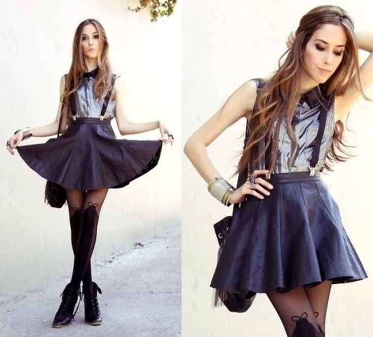 I wish that skirt was longer. Then the outfit would be like perfect!