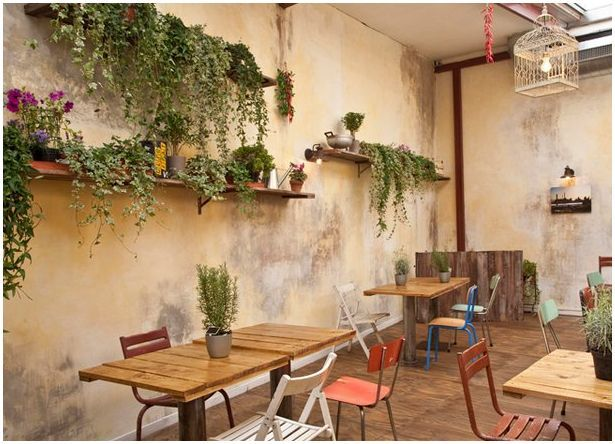 EtagèresSecret Gardens, Gardens Patios, Coffee Pots, Rome Italy, Gardens Spaces, Outdoor Spaces, Cafes Plants, Inside Gardens, Meeting Room