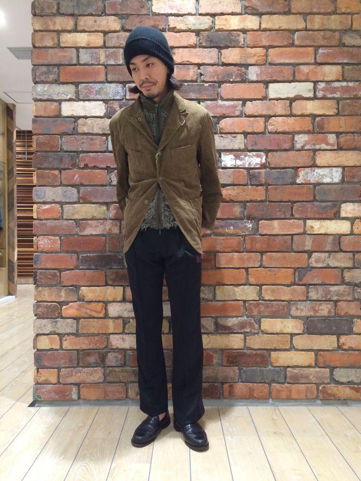 Engineered Garments 定番のベッドフォードジャケット。コーデュロイ素材で着るだけで大人の雰囲気がぐっと上がります!