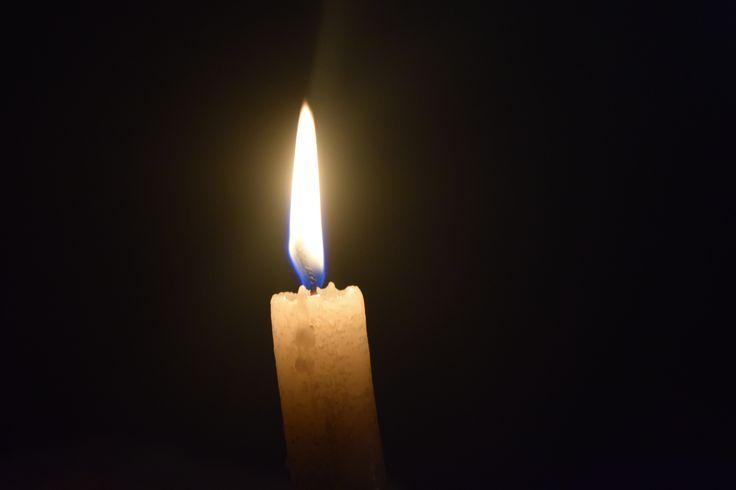 En la oscuridad.  #candle #vela #dark #light #luz