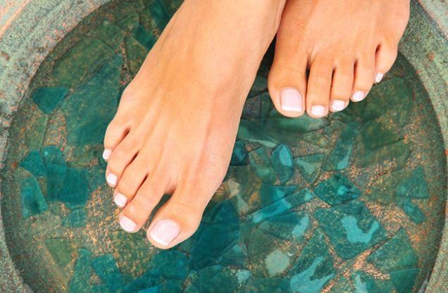 Breng je voeten in vorm deze zomer met deze tips.