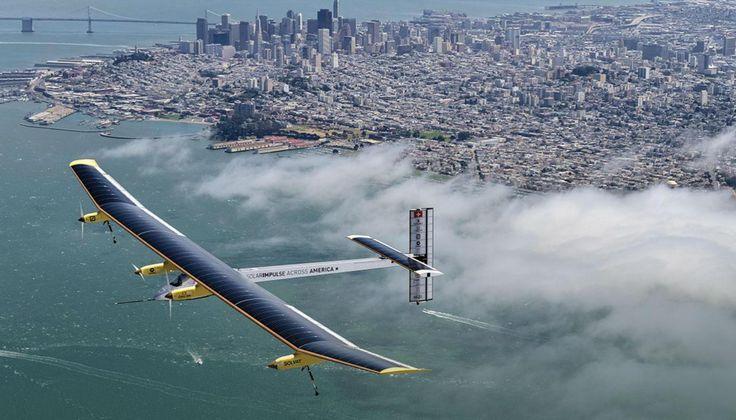 Самолет, использующий солнечную энергию, перелетел Тихий океан    Этот самолёт необычен своим источником энергии, которую он использует для полёта - воздушное судно летит на солнечной энергии, которую получает с помощью солнечных батарей. Днём энергия накапливается в специальных аккумуляторах, которые позволяют самолёту лететь даже ночью.  Солнечные батареи установлены сверху крыльев этого чуда техники. Из-за этого размах крыльев пришлось увеличить до 72 метров, что превышает аналогичный…