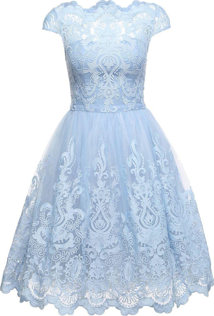 Kleid mit schwingendem Rock 'RHIANNON DRESS' von Chi Chi London. Schnelle und kostenlose Lieferung. 100 Tage Rückgaberecht.