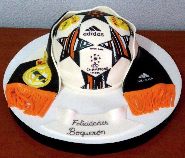 Tarta balón adidas champions   De Perla's   Tartas fondant personalizadas en Málaga