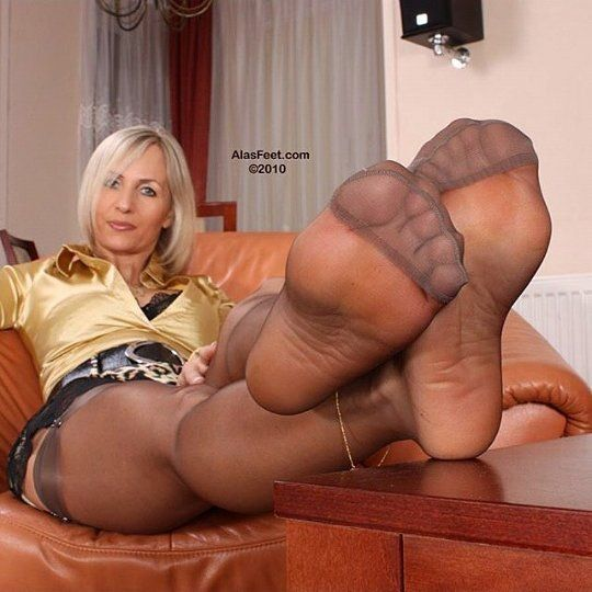 Mature Black Nylons Legs Feet