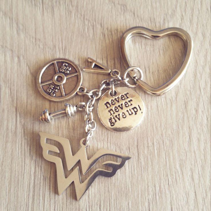 Llavero Wonder Fit 25lbs Iniciál Motivación Mancuerna Wonder Woman Gym,Bodybuilding joyas regalo Dia Madre Wod regalo original,Coach Cross de WodAndFit en Etsy