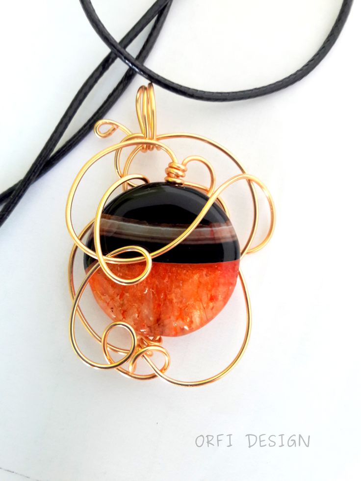 Wire wrapping pendant with agat stone