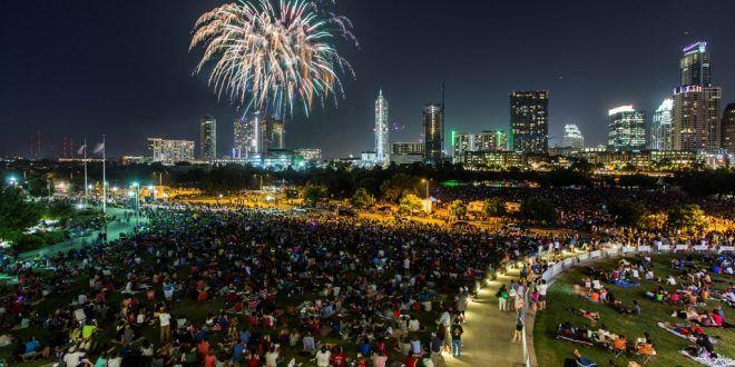 Top 10 Places To Celebrate New Year S Eve In Austin Fireworks Things To Do Fourth Of July