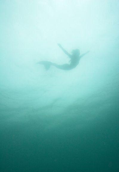 """""""Je dois être une sirène... j'ai aucune peur des profondeurs et une grande peur de la vie peu profonde."""""""