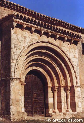 El templo parroquial de San Antonio de Osona (Soria) debió ser un apreciable templo románico de una nave y ábside semicircular en origen pero fue intensamente reformado en el siglo XVIII, aunque se salvó, afortunadamente, el ábside y el muro meridional con una de las más armoniosas portadas del románico rural de toda la provincia de Soria.