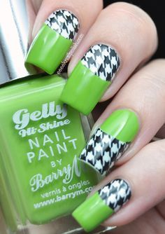 Green and houndstooth design