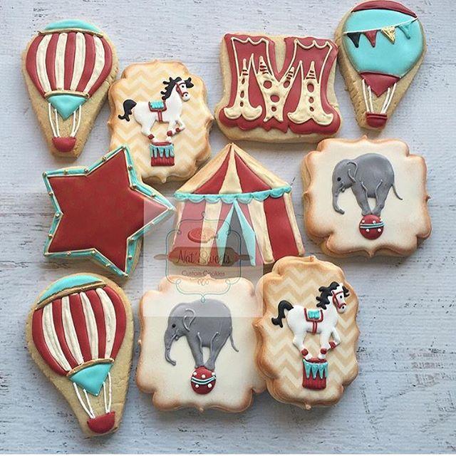 Que lindos!!!!! Tema circo vintage. Por @natsweets #ideiasdebolosefestas #biscoitosdecorados #circovintage #festacircovintage #inspiracao #circus #circusparty #festacirco
