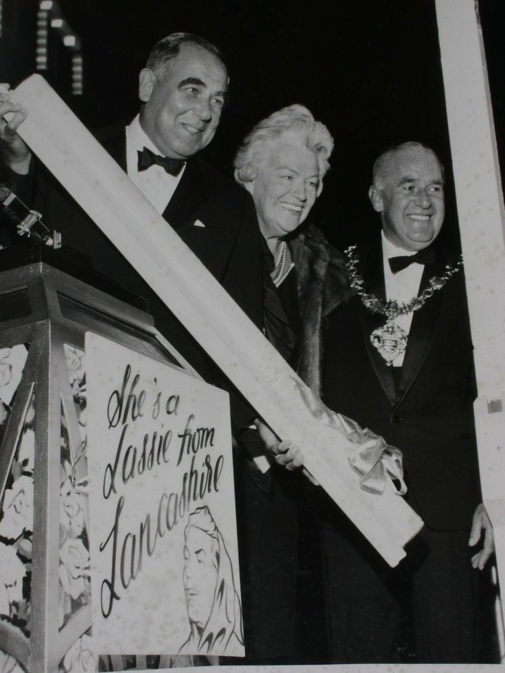 Gracie Fields with her bar of Coronation Rock at the 1964 Blackpool Illuminations switch on