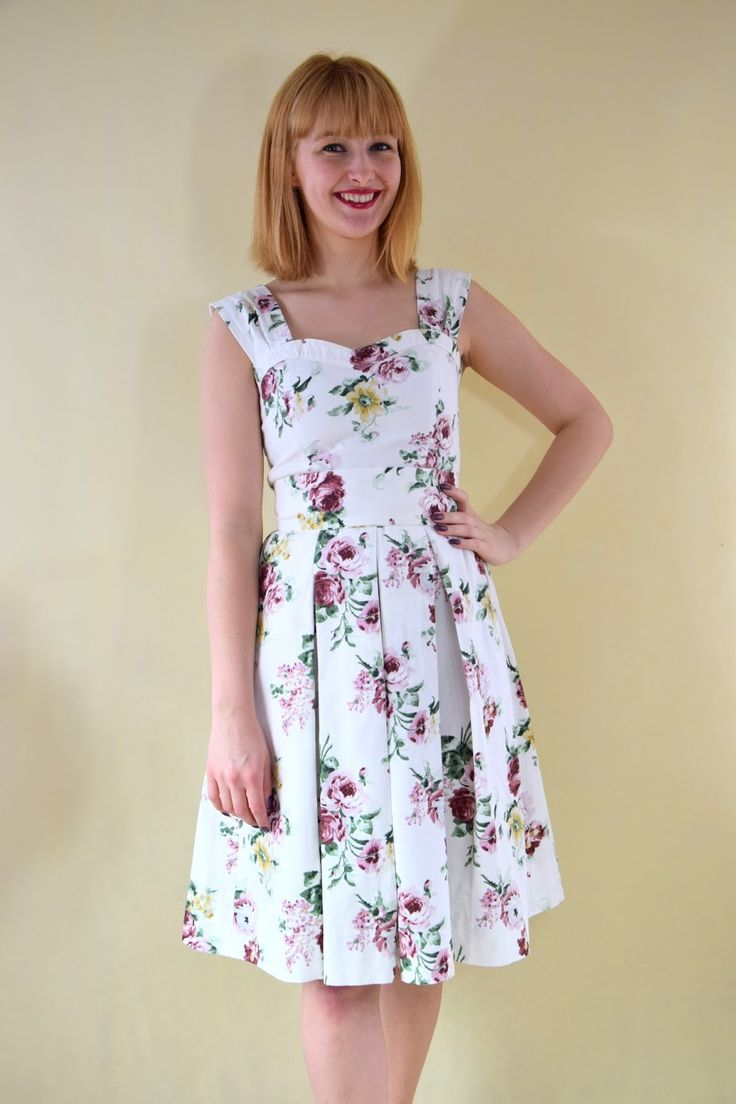 Haligashka: Sukienka w róże