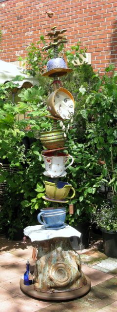 alice in wonderland garden art