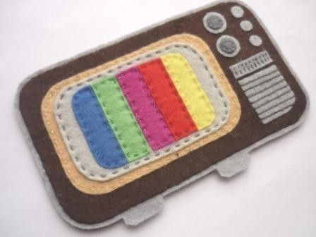 Love It! Remember I'm a journalism student! Beautiful vintage tv phone case! I'm in love!