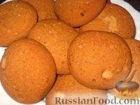 Фото к рецепту: Пышное овсяное печенье с белым шоколадом