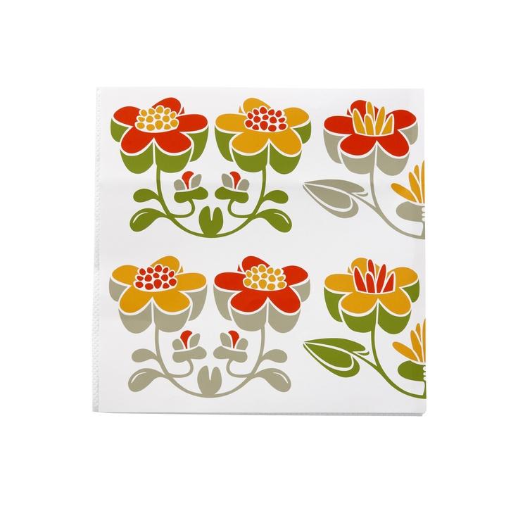 La Fleur ist wieder ein typisches Muster der bekannten schwedische Künstlerin Lotta Glave. Gerne verwendet Lotta tradtionelle schwedische Formensprache bei ihren Blumenmotiven, die sie gerne mit Rankenmotiven verbindet. La Fleur ist ein Muster aus dem Jahr 2013 welches mit erdigen und pastelligen Tönen sehr gut in das Wohnambiente einpasst. http://www.scandinavian-lifestyle.de/Marken/Klippan-Yllefabrik/MusterDekor/Le-Fleur
