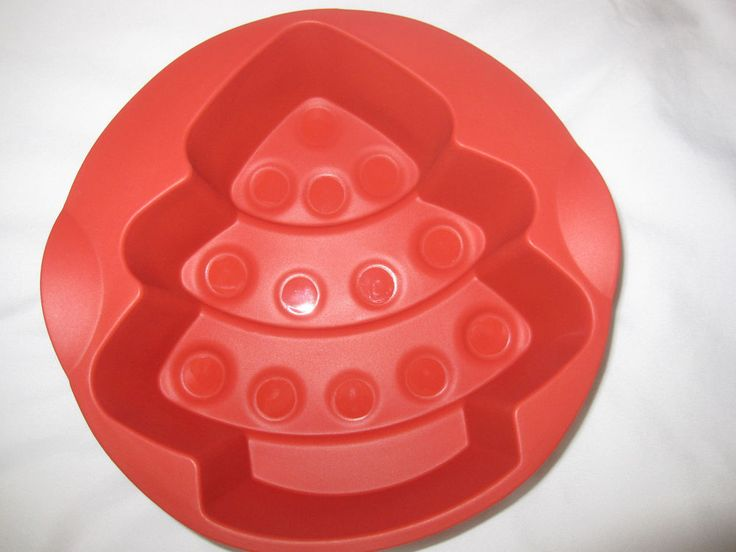 Tupperware Magic Baking Tree Form Christmas Tree Silicone Baking Mold Form