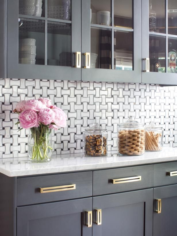 Gray cabinets + marble tile backsplash