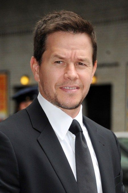 """Practically just yesterday Michael Bay was only considering to have Mark Wahlberg in """"Transformers 4″ but he made up his mind incredibly fast since it is official that Mark Wahlberg has been confirmed to star in the next Transformers film. With Paramount Pictures press release saying, """"After an exce"""