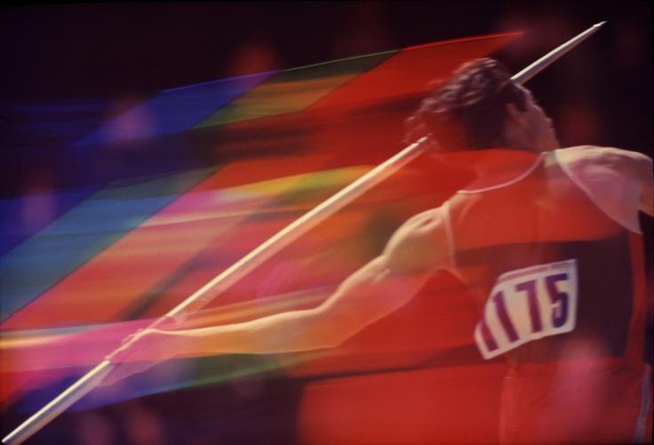 The Olympic trials in Eugene Oregon, 1972. Photo: John G. Zimmerman: Eugene Oregon, Amazing Photography, Cameras