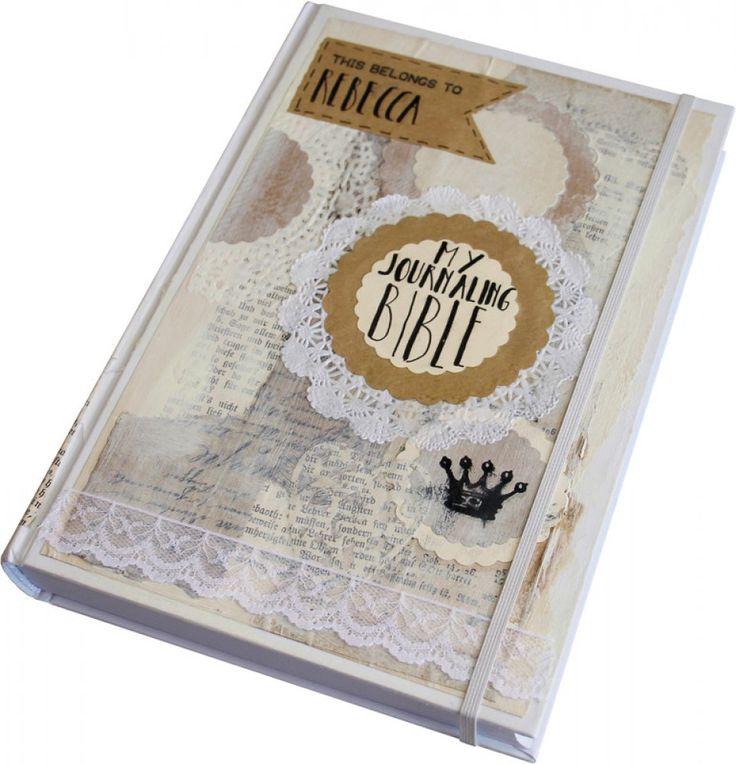 """""""Bible Art Journaling"""" ist eine kreative und künstlerisch-spielerische Weise, sich mit Gottes Wort auseinanderzusetzen. Jeder, der Freude an Kreativität hat, kann damit beginnen - gemeinsam mit anderen oder auch in der persönlichen Stillen Zeit. Diese Ausgabe der Neues-Leben-Bibel (Neues Testament und Psalmen) bietet auf ihren Seiten den ausreichenden Platz für die entsprechende kreative Gestaltung einzelner Bibelabschnitte oder Bibelstellen. Das extra feste Papier ist geeignet für…"""