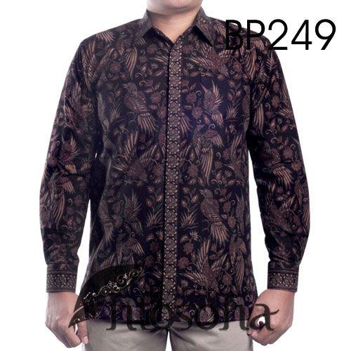 Hem Batik Pria dengan Kode BP249, merupakan batik printing yang terbuat dari bahan katun. Di bagian dalamnya terdapat furing yang terbuat dari katun. Harga untuk kemeja batik kode 249 ini adalah Rp.285.000