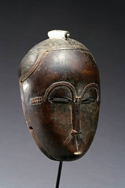 Antique portrait mask Mblo Ivory Coast Baule people