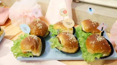 Mini Burger   Viva Cosmetics Beauty Blogger Gathering dan Company Visit - REGINAPIT
