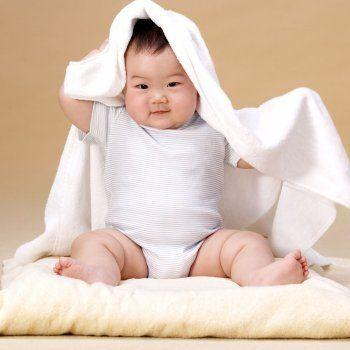 Desarrollo físico y mental de un bebé de siete meses.