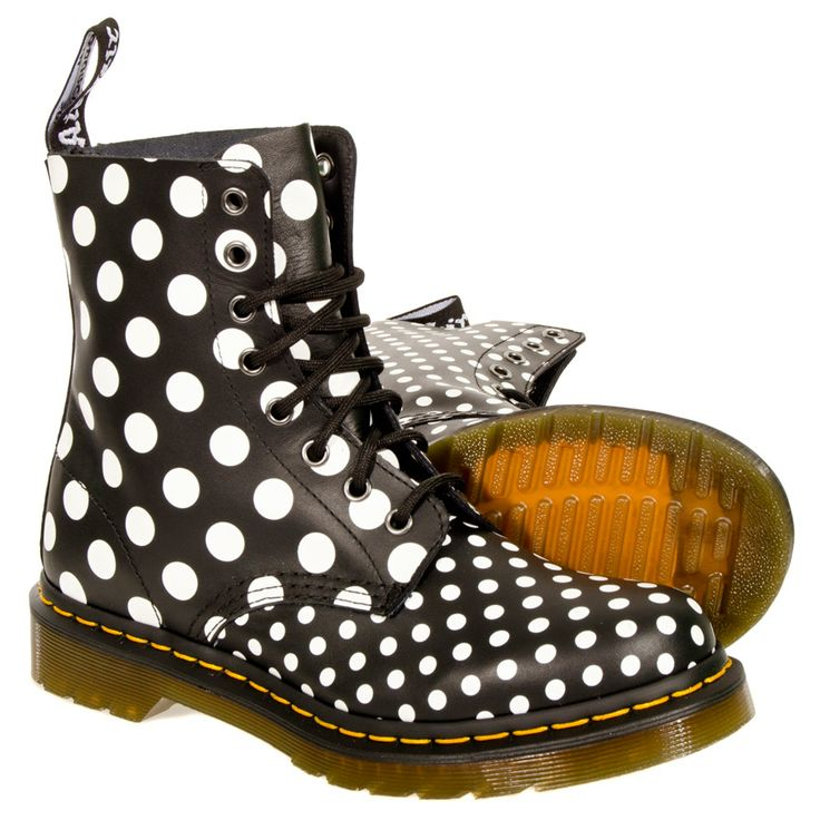 Dr Martens Chay Dot Boot (Black/White)