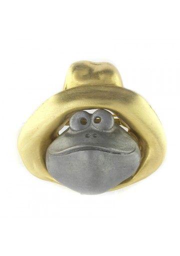 Vintage spilla peltro RANA ULTRA CRAFT L'ornamento raffigura una rana furba con cappello. La spilla è fatta in peltro argentato e dorato. Il metallo è leggermente satinato.  Il gioiello è stato fatto negli anni 80, conservato con cura. Solo la chiusura non è originale #vintagejewelry #vintagespille #anni80