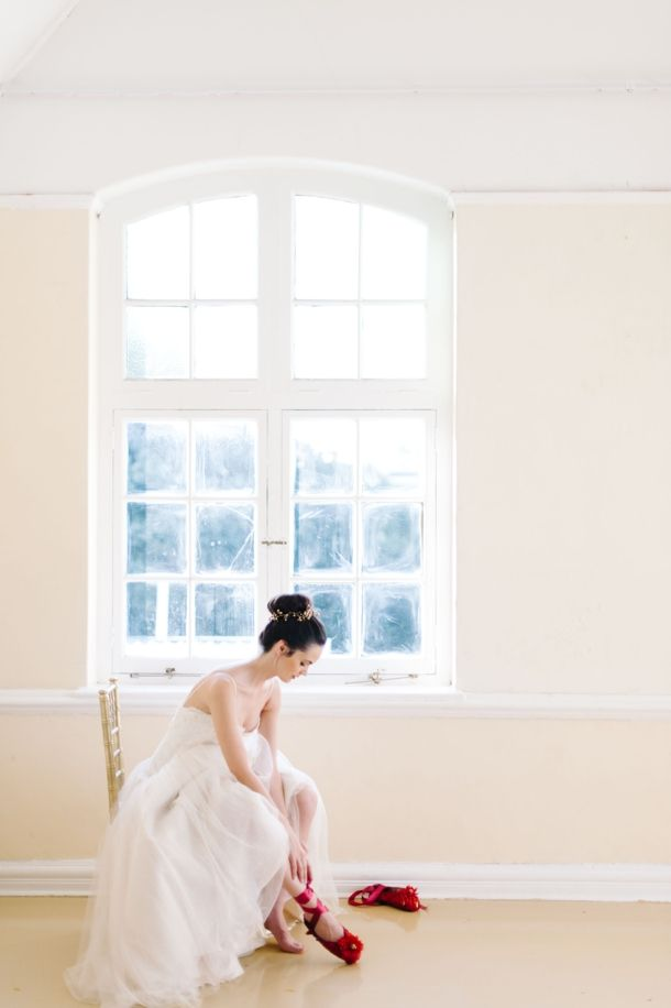 Nutcracker Ballet Styled Shoot by Debbie Lourens & Green Goddess flower studio   SouthBound Bride