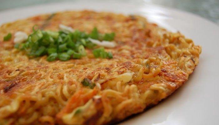 Enak Dan Praktis Ini Nih Resep Omelet Mie Resep Masakan Resep Masakan