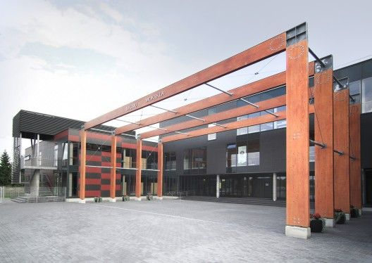 This primary school designed for 828 pupils is the first modern school that was built from scratch in Vilnius in the 20 years since Lithuania's independence. As the surrounding urban fabric has no cohesive urban concept, the new school was intended to give the area an unequivocal focal point. It is also intended to serve a broader function for the wider community after school hours and over weekends.